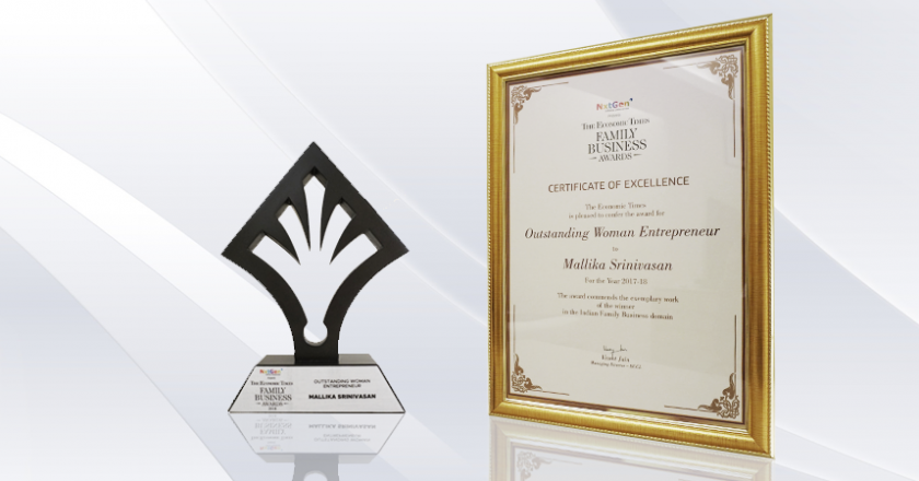Mallika Srinivasan recognized as 'Outstanding Woman Entrepreneur' at The ET Family Business Awards